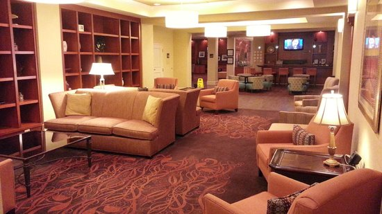 Hampton Inn Louisville Downtown: Lobby