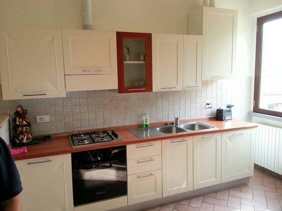 Cucina appartamento il castagno - Picture of Appartamenti Il ...