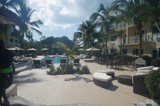 Ports of Call Resort: Beautiful pool area
