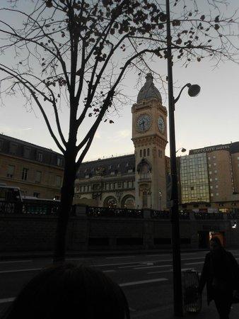 Hotel Terminus Lyon : estación gare de Lyon frente al hotel