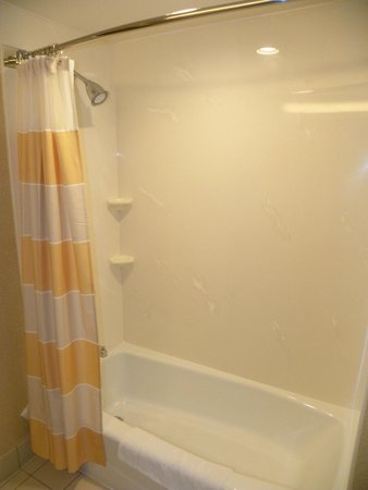 Courtyard Foothill Ranch Irvine East/Lake Forest: Clean shower