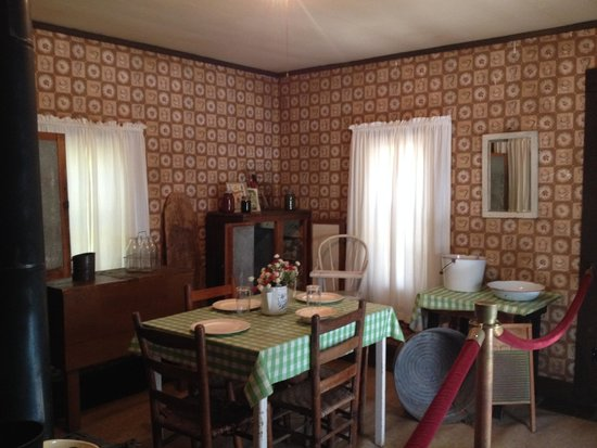 shotgun house interior. Elvis Presley Birthplace  Museum Interior of house Picture