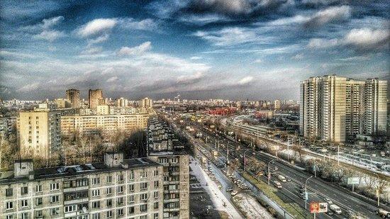 Hotel Molodyozhny : Вид на Дмитровское шоссе