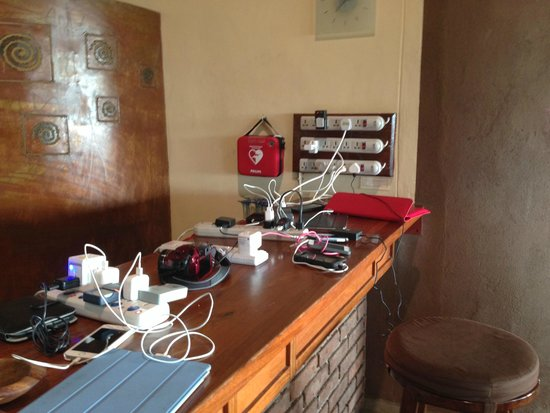 Tarangire Safari Lodge: Charging station at the bar for cell phones and cameras from 6-11 pm and 7-9:30 am only.
