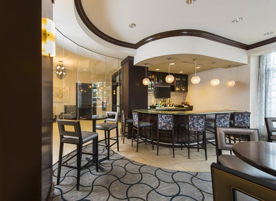 Residence Inn Portsmouth Downtown/Waterfront: Bar