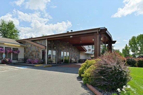 Quality Inn & Suites : Entrance