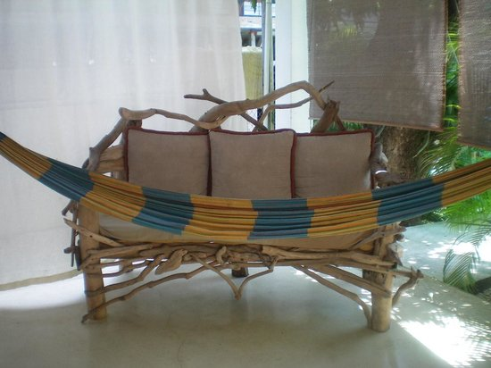 Principe del Pacifico: couch and hammock