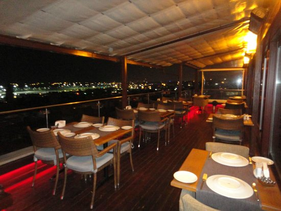 Venera Hotel: Vista do Restaurante para o Bósforo