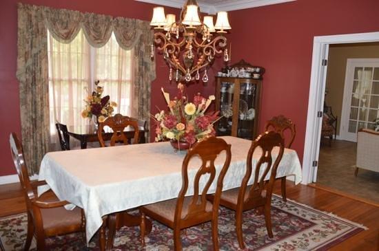 ذا هيل هاوس بد آند بركفاست: Dining room