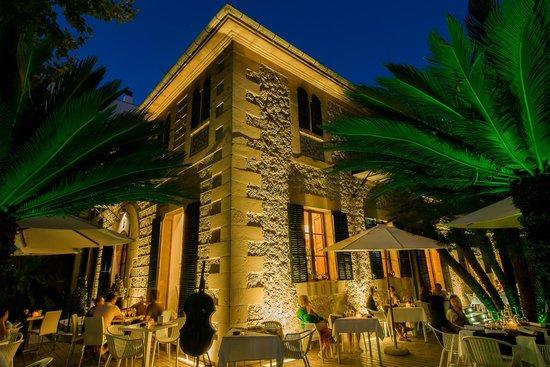 ROM4N1 Cafeteria & Restaurant