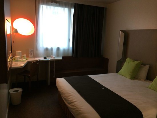 Campanile Amiens Centre Gare : Room 110