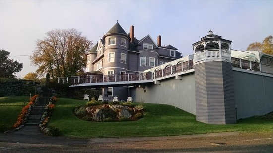 The Castle Manor Inn: View of the deck