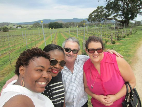 Mike's Wine Tours: Hanging Rock Winery