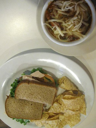 Main Street Cafe: lunch