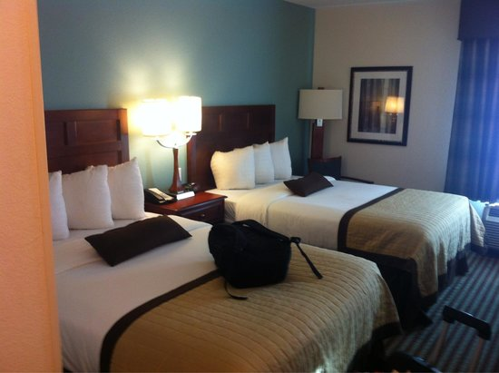 Baymont Inn & Suites Denver International Airport: Clean and comfortable room