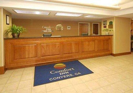 Comfort Inn Conyers: Front Desk