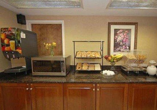 Comfort Inn Conyers: Breakfast Area
