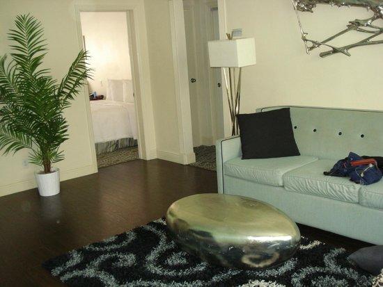 Suites of Dorchester: Living