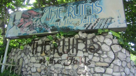 The Ruins at the Falls : Sign out front next to a closed gate