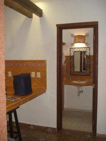 Hotel Alux: Vista do banheiro