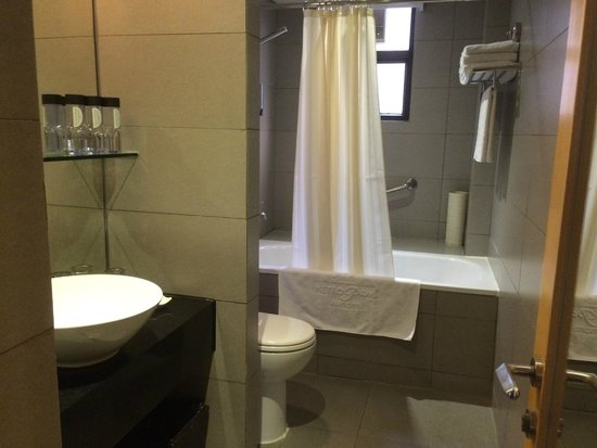Kew Green Hotel Wanchai Hong Kong: Toilet/Bathroom