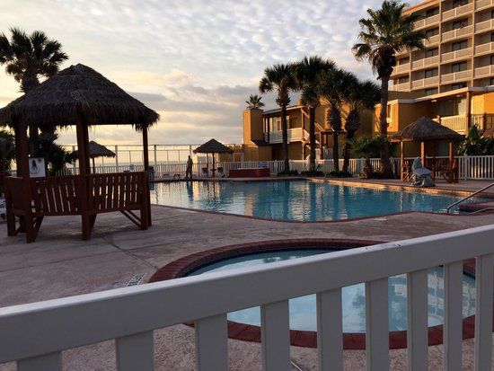 Quality Inn & Suites on the Beach: October dawn