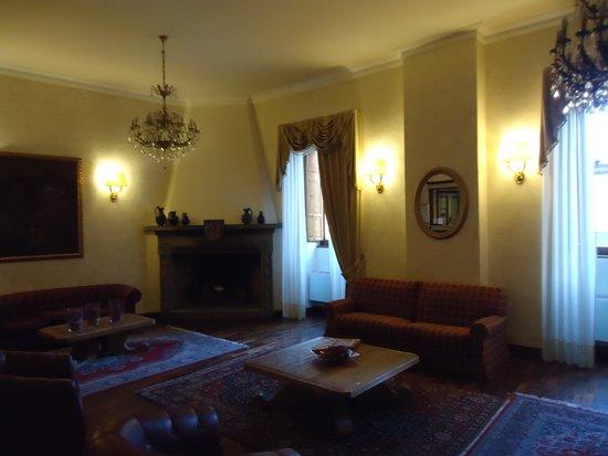 Grand Hotel Italia: Hotel Lobby