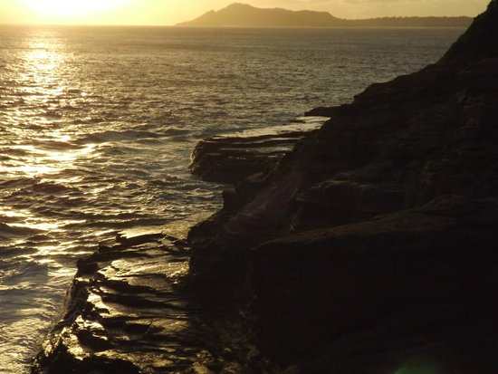 Spitting Cave of Portlock : Another sunset shot