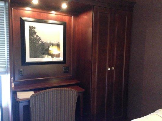 Hampton Inn Seattle/Southcenter: Desk