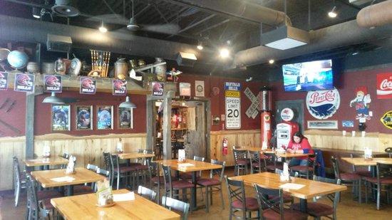 Tin Shed Tavern Pizza Savage Menu Prices Restaurant Reviews Tripadvisor