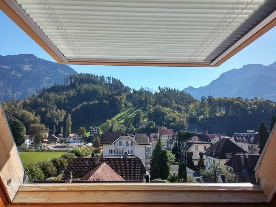 Hotel Loetschberg: View to the mountains