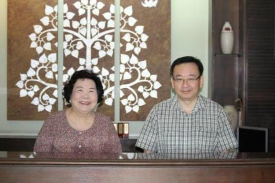 Srivichai Hotel: Live-in owner and his mother