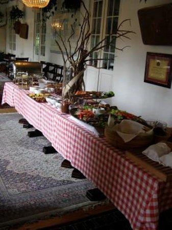 Νέστβεντ, Δανία: En lille del af morgenmadsbuffen - Hotel Kristine i Næstved.