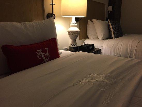 Hotel Valencia - Santana Row: Comfy Bed