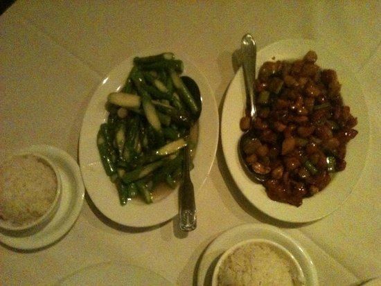 The Mandarin Gourmet Cupertino: Dinner: Sautéed Asparagus and Chicken with Cashews