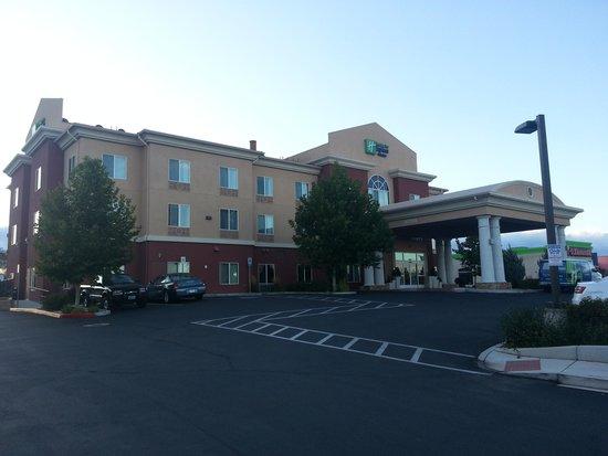هوليداي إن إكسبريس آند سويتس رينو: Holiday Inn Express Hotel & Suites Reno