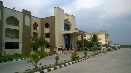 Lilavati Guest House: Front Sde of Lilavati- Somnadh