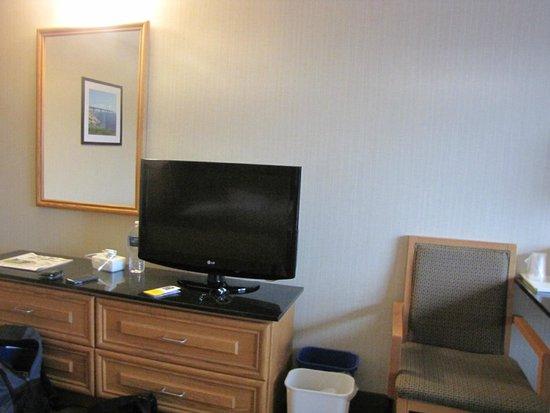 Comfort Inn: TV