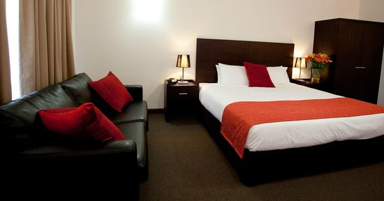 Mercure Port of Echuca: Newly Renovated Superior King Room