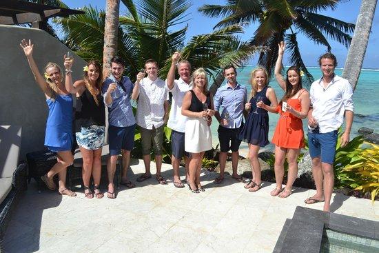 Te Manava Luxury Villas & Spa: FAMILY PHOTO ON THE BEACHFRONT VILLA SUN TERRACE