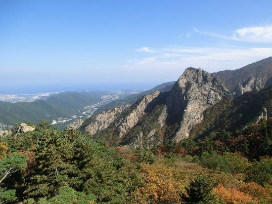 Gwongeumseong Fortress: вид со смотровой у канатки