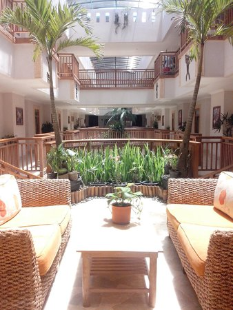 Hawaii Resort Family Suites : Lobby