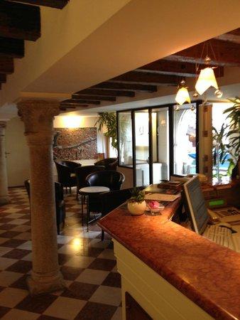 Hotel Giudecca Venezia: Reception area 2