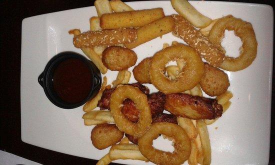 Assiette de finger food à partager picture of au bureau le
