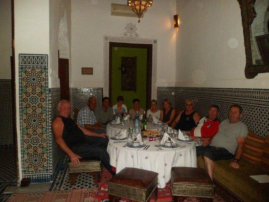 Riad Dar Tafilalet : soirée entre amis