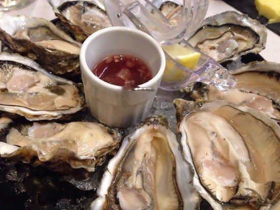 L'Oceanic: Oysters Tsarskaya