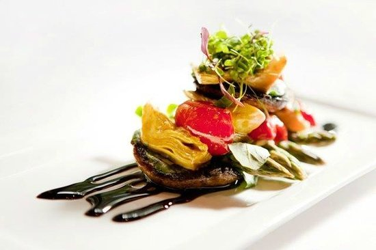 Monneaux Restaurant: Mushroom & Gorgonzola Salad