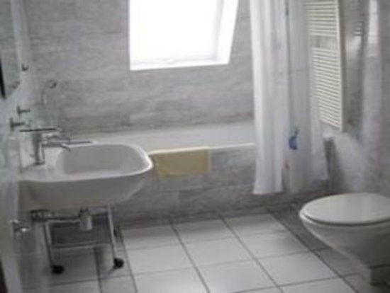 Pension Bella: bathroom - small