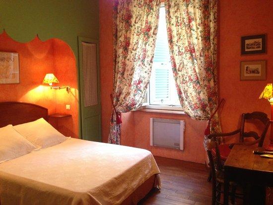 hotel central bastia france voir les tarifs 103 avis et 71 photos. Black Bedroom Furniture Sets. Home Design Ideas