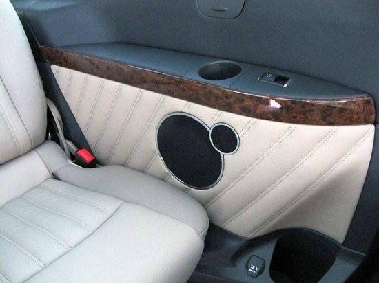 Mercedes benz viano 7 seater the interior picture of for Interior mercedes viano